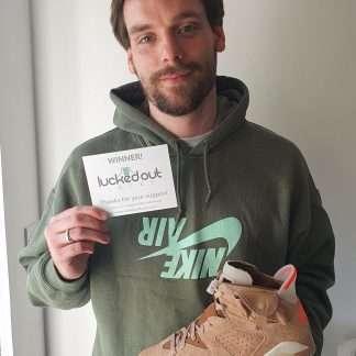 Travis-Scott-x-air-Jordan-6-British-khaki-winner-robert